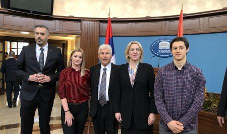 Rektor SPU sa najboljim studentima na prijemu kod predsjednice RS