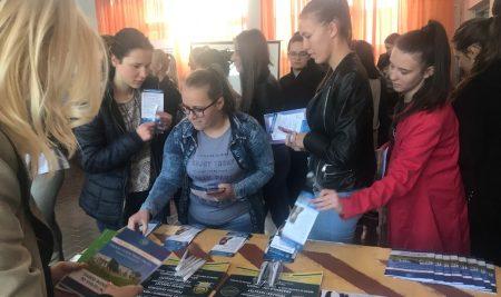 Promocija SPU u Stručnoj i tehničkoj školi u Derventi